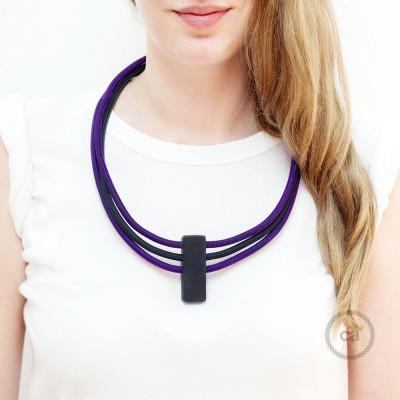 Kruhový náhrdelník s farbami: fialová RM14 a čierna RM04.