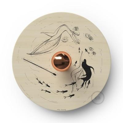 Fermaluce Romantic s obojstranným dreveným tienidlom UFO s ilustráciami od rôznych umelcov