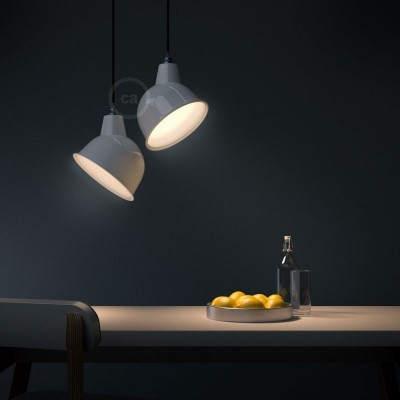Závesná lampa s textilným káblom, tienidlom Broadway a kovovými detailmi – Vyrobená v Taliansku