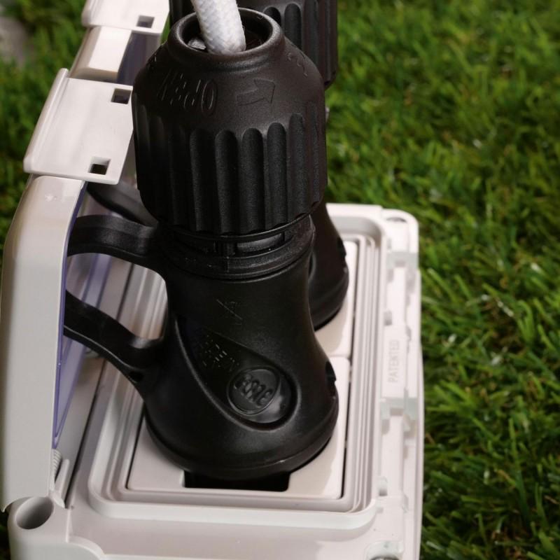 Čierna Schuko zástrčka s prstencom 16A 250V IP44 pre systém EIVA