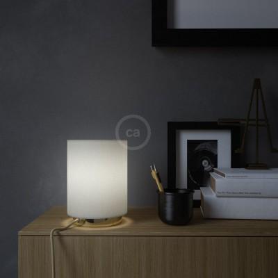 Posaluce, kovové svietidlo s  valcovým tienidlom White Lawn, textilným káblom, in-line vypínačom a 2-pólovou zástrčkou